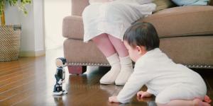 Robohon må se ut som en robot men den är också en telefon