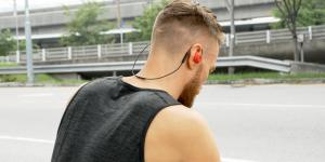 Nya trådlösa hörlurarna Revols formar sig efter ditt öra